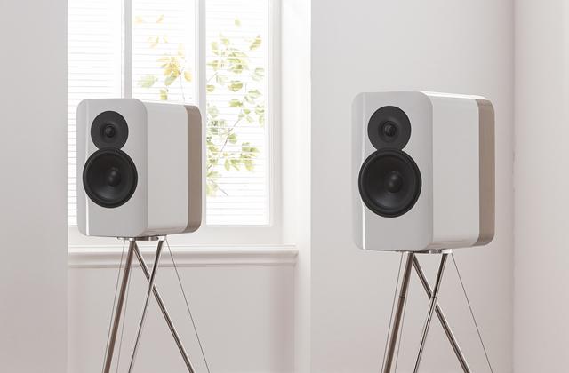 Elegáns lett a Q Acoustics Concept 300 hangfal