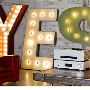 Cambridge Audio Azur 851 D digitális előerősítő és DAC