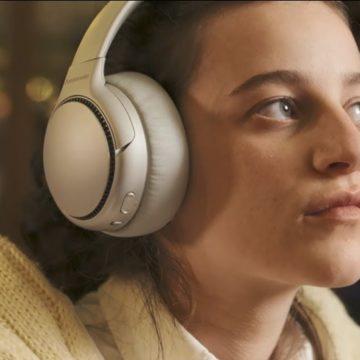 Jönnek a Panasonic Deep Bass fejhallgatók