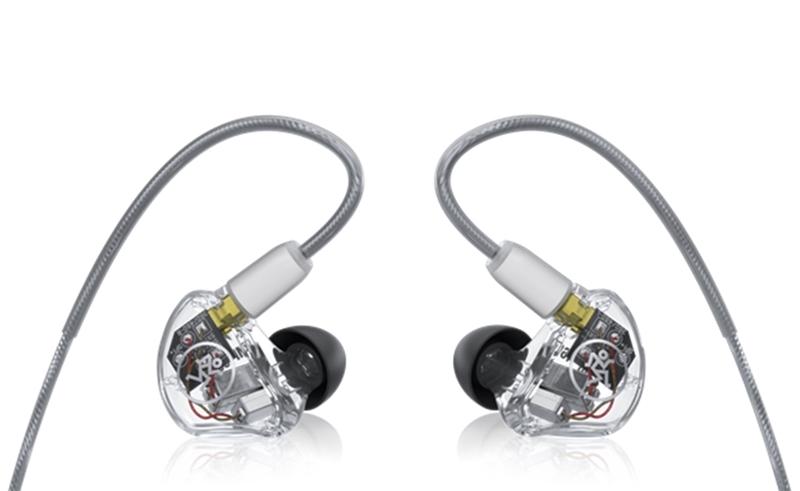 Új multi-driver füleseket mutatott be a MACKIE