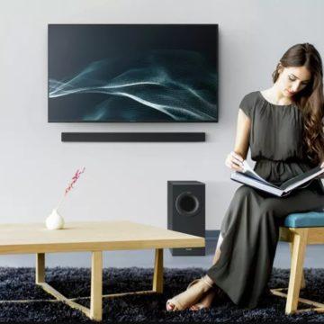 Keskeny hangprojektorral jelentkezett a Panasonic