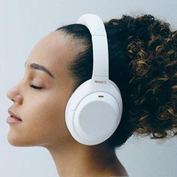 Fehér változat készült a Sony népszerű fejhallgatójából